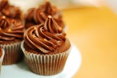 CUP-TG-choc-orange-rasp-cupcakes[1]