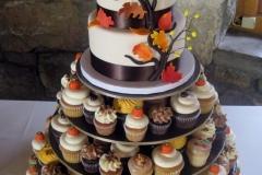 NOV-31-Fall-wed-cake-w-cup-c-display