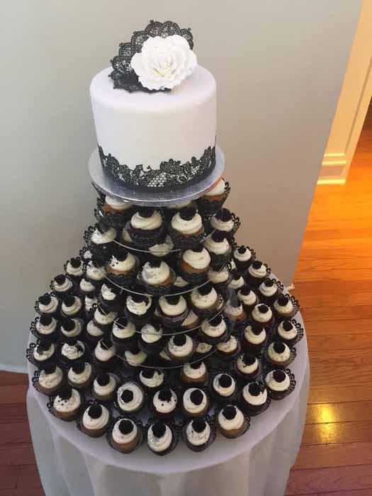 cupcakes on trays