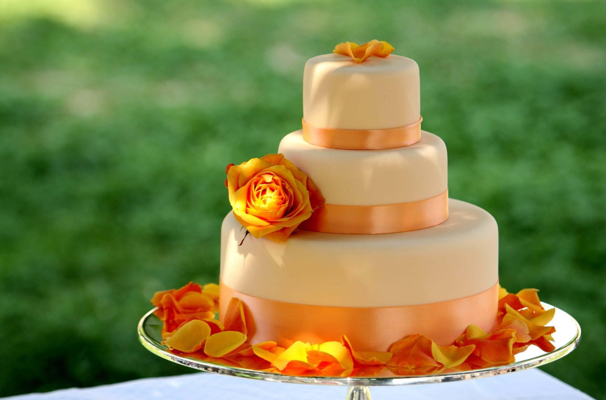 Orange 3-tiered cake