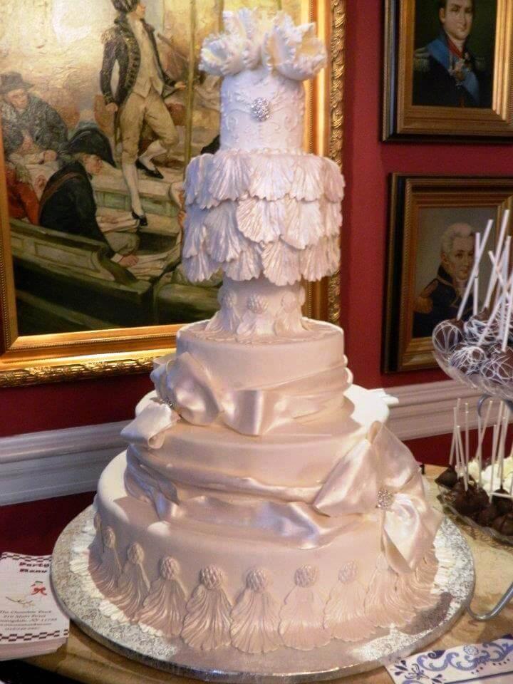 5-tiered white cake