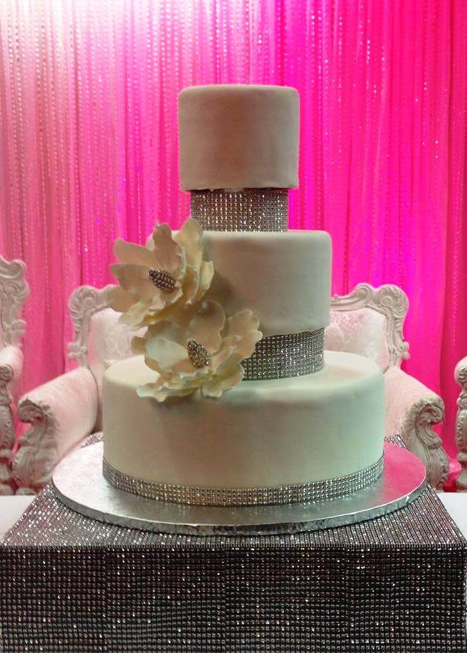 3 tiered cake with silver