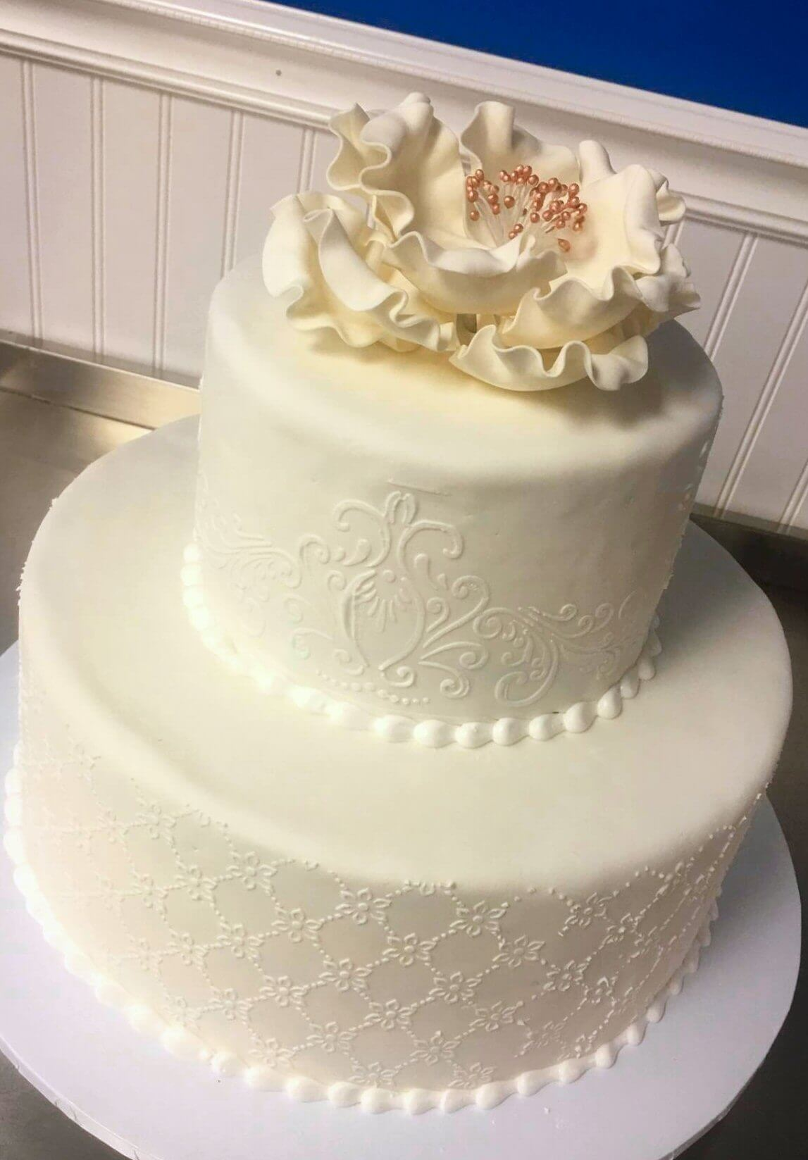 2-tiered white cake