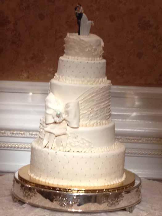 5-tiered wedding cake