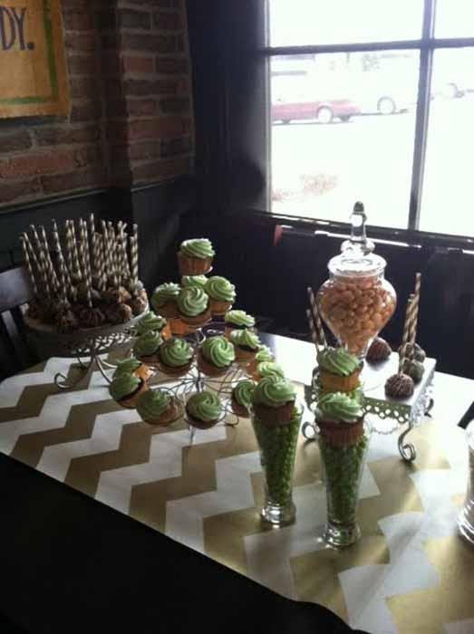 cupcakes in cupcake holder
